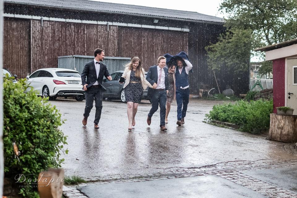hochzeitsfotograf hochzeitsfoto hochzeitsfotografie hochzeitsfotos hochzeitsreportage nürnberg erlangen fürth zirndorf fotograf hochzeit shooting regenhochzeit oberasbach